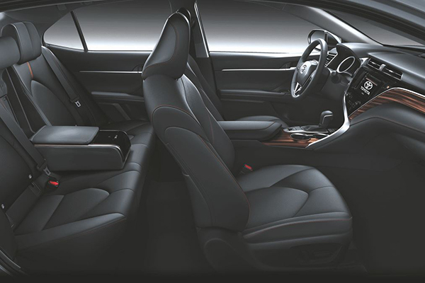 A side profile shot of the Camry 2.5 V's interior