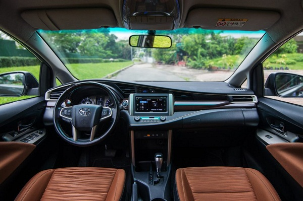 Toyota Innova 2019 interior