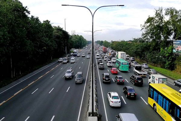 South Luzon Expressway (SLEX)