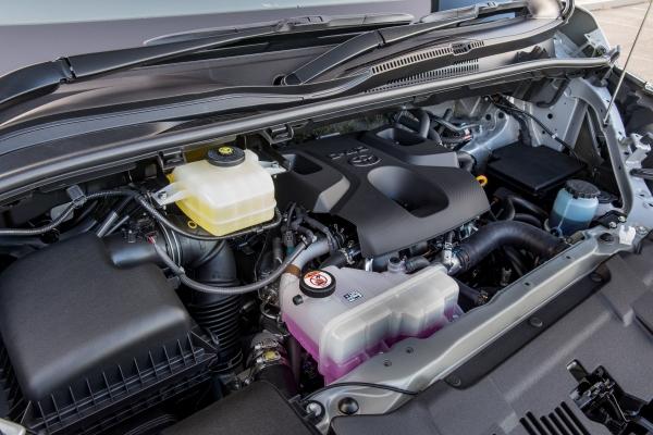 Toyota Hiace's engine