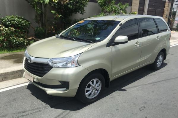Beige Toyota Avanza 2018