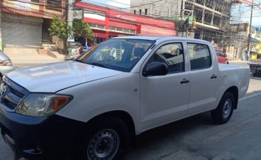 Selling Toyota Hilux 2005 Manual Diesel in Bocaue