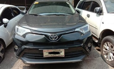 Selling 2nd Hand Toyota Rav4 2017 Automatic Gasoline at 27000 km in Quezon City