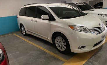 Selling 2nd Hand Toyota Sienna 2014 in Manila