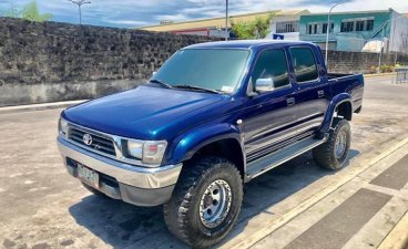 Toyota Hilux 2000 for sale in Las Piñas