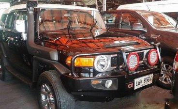 Black Toyota Fj Cruiser 2014 at 38000 km for sale