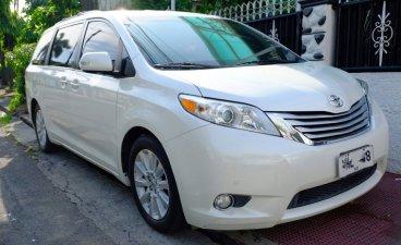 2014 Toyota Sienna for sale in Makati