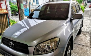 Selling Silver Toyota Rav4 2007 at 99000 km