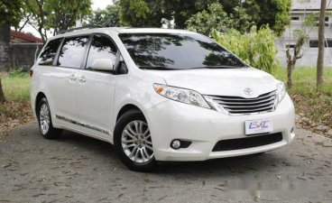 Selling White Toyota Sienna 2015 in Quezon City