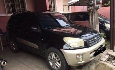 Selling Black Toyota Rav4 2003 at 201000 km