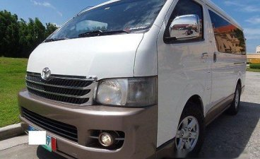 White Toyota Hiace 2011 at 42000 km for sale