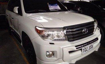 Selling White Toyota Land Cruiser 2012 at 55538 km