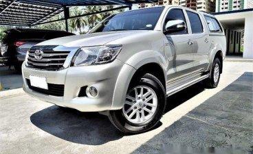 Selling Toyota Hilux 2012 Manual Diesel