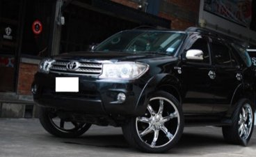 Toyota Fortuner 2005 for sale in Makati