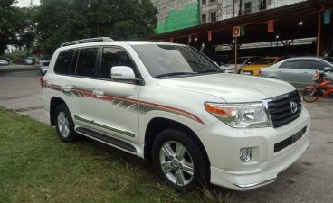 Toyota Land Cruiser 2013 for sale in Pasig