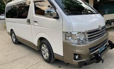 Sell White 2012 Toyota Hiace at 215000 km