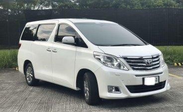 Sell 2012 Toyota Alphard Van in Parañaque