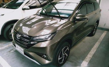 Selling Grey Toyota Rush 2019 Automatic Gasoline