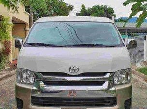 Sell White 2014 Toyota Hiace at 40000 km