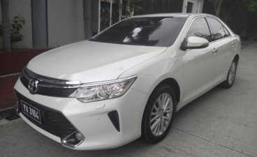 Pearl White Toyota Camry 2016 for sale in Manila