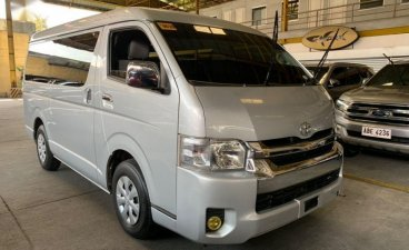 Pearlwhite Toyota Grandia 2017 for sale in Manual