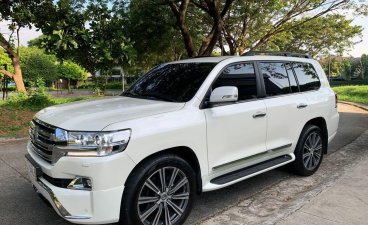 White Toyota Land Cruiser 2019 for sale in Automatic