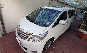Sell White 2012 Toyota Alphard in Manila