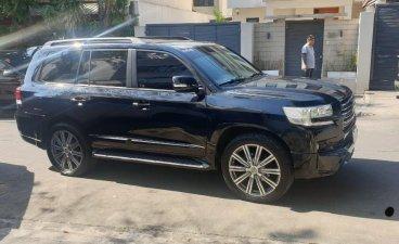 Selling Black Toyota Land Cruiser 2013 in Pasig