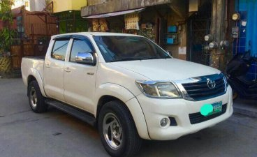 Sell White 2007 Toyota Hilux in Taytay