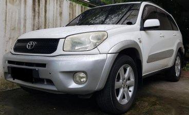Sell White 2004 Toyota Rav4 in Manila