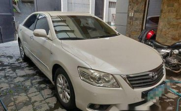 Selling White Toyota Camry 2009 at 60000 km