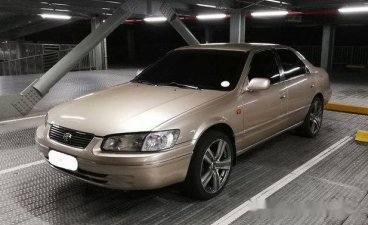 Selling Beige Toyota Camry 2000 Automatic Gasoline