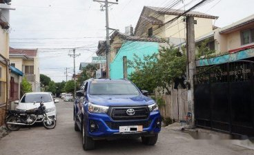 Blue Toyota Hilux 2018 for sale in Automatic