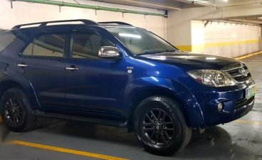 Sell Blue 2005 Toyota Fortuner in Pateros