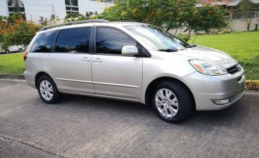 Toyota Sienna 2004 for sale in Quezon City