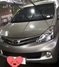 Selling Silver Toyota Avanza 2014 in Angono