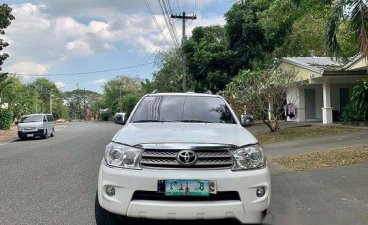 White Toyota Fortuner 2011 for sale in Manila