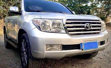 Selling Silver Toyota Land Cruiser 2011 in Manila