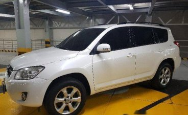 White Toyota Rav4 2011 for sale in Automatic