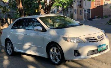 White Toyota Corolla altis 2013 for sale in Automatic