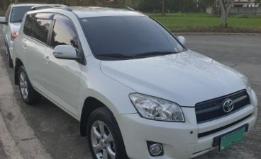 Selling Pearl White Toyota Rav4 2011 in Cabuyao