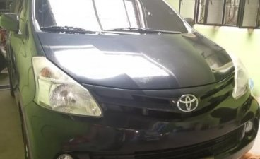Selling Grey Toyota Avanza 2013 in Malolos
