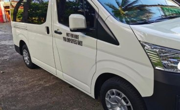 Selling White Toyota Hiace 2017 in Muntinlupa City