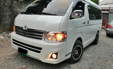 White Toyota Grandia 2013 for sale in Quezon City