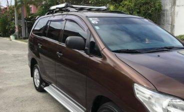 Selling Brown Toyota Innova 2014 in Binan