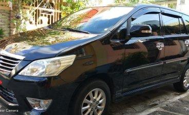 Selling Black Toyota Innova 2013 in Manila