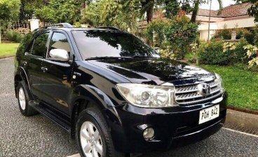 Black Toyota Fortuner 2011 for sale in Quezon City