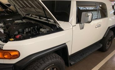 White Toyota Fj Cruiser 2018 for sale in Manila