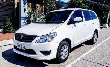 Selling White Toyota Innova 2015 in Guagua