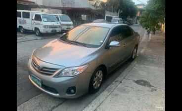 Selling Grey Toyota Corolla Altis 2012 in Quezon City